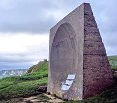 Sound Mirror at Abbots Cliff Romney Marsh, Creative Writing Ideas, Brutalist Design, Unusual Buildings, Continents, Arches, Astronomy, Planes, Real Life