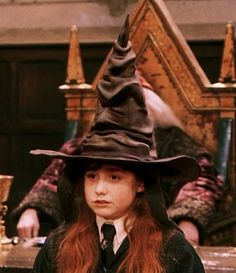 Zoella was in harry potter. A Hufflepuff student!!!!!!