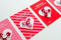 Kids will go nuts for Fidget Spinner Valentine! Grab your free printable valentines today. Easy to make, all ages will love. Christmas Shirts, Christmas Diy, Christmas Trivia Games, Valentine Day Gifts, Valentines, Valentine Ideas, Paper Dahlia, Baby Food Jars, Crazy Kids