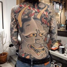 Visited the crew at today, saw this crazy Hannya by done on arigato nice meeting you ✌ Hanya Mask Tattoo, Hannya Tattoo, Tattoo Henna, Japanese Oni, Japanese Folklore, Japanese Style, Back Tattoos For Guys, Full Back Tattoos, Japanese Back Tattoo