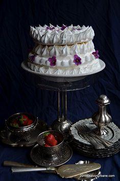 Vant spaniol tort de bezea vienez Spanische Windtorte (5) Meringue Cake, Great British Bake Off, Pavlova, Dessert Bars, Caramel, Cake Decorating, Food And Drink, Favorite Recipes, Sweets
