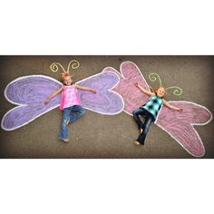 Creative kids sidewalk chalk art! Butterfly wings :)  ideas for summer photography. Chalk fun prop. chalk drawing, chalk chalk chalk!