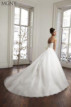 Scarpe Sposa Giarre.37 Fantastiche Immagini Su Spose Spose Abiti Da Sposa E Sposa