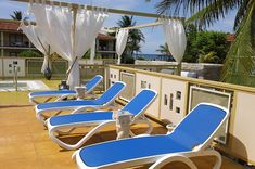 View pictures & videos of the Memories Jibacoa. Plan your vacation in paradise today! Outdoor Furniture, Outdoor Decor, Sun Lounger, Picture Video, Places To Go, Memories, Vacation, Gallery, Pictures