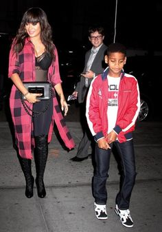 Lala Anthony's Christian Louboutin Boots & Tom Ford Bag At Madison Square Garden- http://getmybuzzup.com/wp-content/uploads/2015/11/546260-thumb.jpg- http://getmybuzzup.com/lala-anthonys-christian-loubou/- By Don Bleek The 2015/16 NBA season is in full effect and celebs are flocking to arenas across the states to sit courtside and watch their favorite teams play. This is donbleek.com first courtside post of the 2015/16 NBA season, therefore, we're going to kick it off