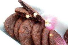 Ha biztosra akarok menni a sikerrel, akkor mindig ezeket a csokis kekszeket készítem el. Belül puhák, őrjítően csokisak, mégsem tömények, és még...