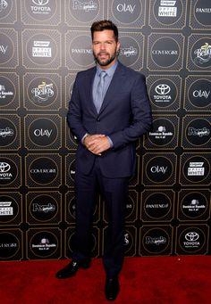Ricky Martin #suits up in blue to the People En Español 2014 Los 50 Mas Bellos