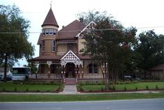 1894 Queen Anne - Ladonia, TX (George F. Barber) - $67,299 - Old House Dreams