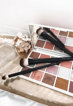 Discover Brush Huis, the home of high quality, affordable makeup brushes used by makeup artists Australia wide. Explore our professional grade Essentials Collection today. Affordable Makeup Brushes, Best Makeup Brushes, Best Makeup Products, Makeup Brush Uses, Artist Brush, Vegan Makeup, Makeup Yourself, Makeup Brushes Cheap