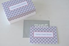 flavoli Papelaria Personalizada: Cartão duplo Xadrez para casal Cards Against Humanity, Party Labels, Neon Party, Bookmarks, House Party, Personalized Stationery, Gingham