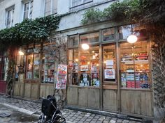 Paris Cute Book Store