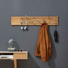 Horizontale Garderobe | We Do Wood