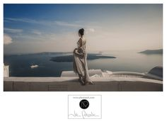 amazing view in pre wedding shot at Santorini island