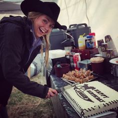 Amber Marshall's birthday on set #season9