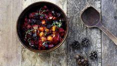 Rosollin voi tehdä näinkin. Uunissa paahdetut juurekset maistuvat mahtavilta näin valmistettuna. Curry, Baking, Ethnic Recipes, Kitchen, Christmas Recipes, Celebrations, December, Passion, Inspiration
