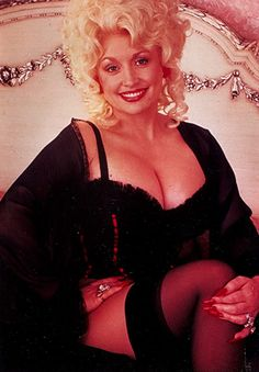 Dolly Parton, Burt Reynolds, and Dom DeLuise in The Best Little Whorehouse in Texas Dolly Parton Playboy, Dolly Parton Costume, Dolly Parton Tattoos, Dolly Parton Quotes, Nylons, Dolly Parton Imagination Library, Dolly Parton Pictures, Turner Classic Movies, Celebs
