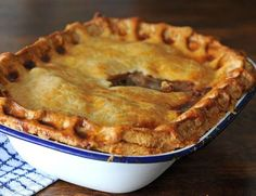 Beef and Guinness Pie recipe brings together two of Ireland& most famous products, Irish beef and Guinness.for a traditional and hearty pie. Beef And Ale Pie, Beef And Guinness Pie, Guinness Recipes, Guinness Pies, Irish Recipes, Pie Recipes, Cooking Recipes, English Recipes, Scottish Recipes