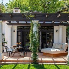 Casa Jenner, Kendall Jenner House, Best Modern House Design, Dream Home Design, My Dream Home, H Design, Spanish House, Spanish Style, Earth Homes