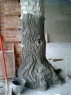 theperanakanconnection: How to make a fake tree trunk/stump.How to make a fake tree trunk/stump for your garden by C S Wan A fake tree trunk/stump made from cement can be used to display pl.