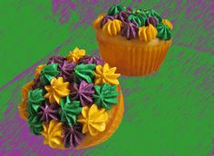 Mardi Gras Cupcakes by howtoeatacupcake.net, via Flickr