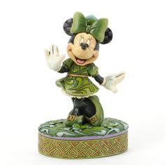 'Wishing On A Shamrock' - Minnie Mouse with shamrock figurine (Jim Shore) from our Jim Shore Disney Traditions collection Mickey Minnie Mouse, Disney Mickey, Walt Disney, Deco Disney, Disney Love, Disney Stuff, Disney Movie Rewards, Disney Ornaments, Ornaments Ideas