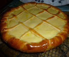 Encore une institution familiale!!!! la tarte au libouli !!!! -plein de surnoms pour cette tarte typique du Nord,Pas-de-Calais!chez moi ,à Noeux-les-mines c'était la tarte à l'prone(car on y ajoutait des pruneaux)!pour ma belle-mère du Caudrésis ,la tarte... Best Pie, Thermomix Desserts, Pan Dulce, Pie Dessert, French Food, Biscuits, Bakery, Food Porn, Food And Drink