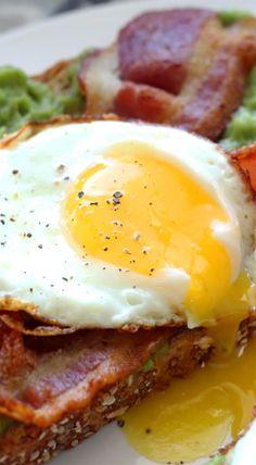 Open-Faced Breakfast Sandwich #sniadanie #breakfast #inteligentnystyl www.amica.com.pl