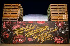 Fomos convidados pra fazer um painel para estampar o bar da Skol durante nofestival Bananada 2016.Durante os 3 principais dias de evento pintamos e interagimos com o público que deixava suas mensagens no painel e o usavam como fundo para fotos usando a…