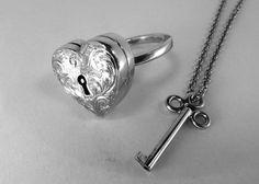 Lockable locket ring <3