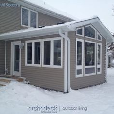 This room addition in West Des Moines replaced a deck space. A combina… - Sunroom Windows 4 Season Sunroom, 3 Season Room, Three Season Room, All Season Porch, Family Room Addition, Sunroom Addition, Sunroom Windows, Four Seasons Room, Enclosed Porches