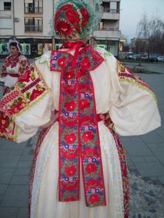 Trivia Love, Folk Costume, Costumes, Traditional Dresses, Regional, Southern, Textiles, Embroidery, History