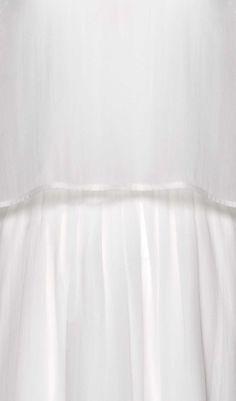 Details des Papillon Sleeve Dress Short