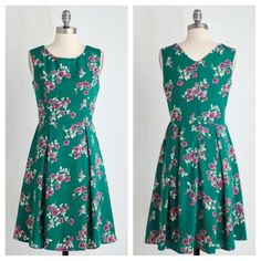 "Modcloth I Rest My Grace Dress in Emerald Blooms M Beautiful emerald green floral dress, size medium. Only worn once, excellent condition.  Fully lined.  Flat measurements: bust 17"", waist 14"", length 37"".  HOLDS TRADES ModCloth Dresses Midi"