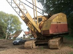 Bucyrus Erie, Crawler Crane, Old Lorries, Construction Machines, Heavy Equipment, Color Theory, Tractors, Colour Yellow, Caterpillar