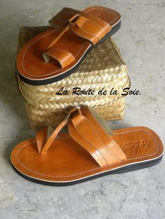 Men Leather sandals - www.surlaroutedelasoie.com