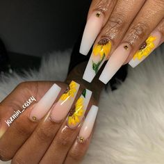 What Christmas manicure to choose for a festive mood - My Nails Bright Red Nails, Bright Summer Nails, Orange Nails, Best Acrylic Nails, Acrylic Nail Designs, Perfect Nails, Gorgeous Nails, Cute Nails, Pretty Nails