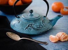 Taira-Nami Teapot in Sky Blue