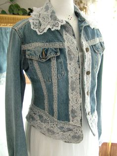 Inspiration and price reference-Lace cotton denim girly hippy shabby chic repurposed jacket by MarieDesignMD on Etsycowgirl, prairie, romantic, feminine, refashioned denim and Diverse Ideas of Denim Jackets Decor: articles and DIYs – LivemasterTh Clothes Refashion, Diy Clothes, Remake Clothes, Mode Outfits, Chic Outfits, Kleidung Design, Mode Jeans, Denim Crafts, Upcycled Crafts