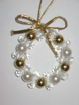 Google Image Result for http://www.christmascrafts.com/images/wreath-crafts/bead-christmas-wreath-ornament.JPG