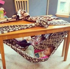 Chair for toddler. Super fun fort idea for kids. Under table swing for toddler. Reading nook for toddler. Cute, easy and free! Simply secure a blanket to your dining table and climb in! Kids Crafts, Projects For Kids, Diy Projects, Games For Kids, Diy For Kids, Cool Kids, Kids Abc, Children Play, Indoor Activities