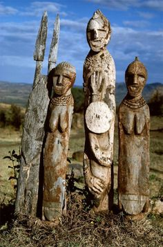 Waga Figures. Ethiopia Waga figures, carved in honour of a dead hero or an…