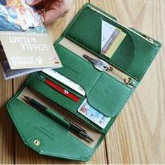 Versatile Travel Wallet - Free Shipping - Green