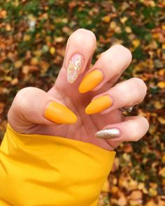 23 great yellow nail art designs 2019 nails in 2019 Yellow Toe Nails, Yellow Nails Design, Yellow Nail Art, Pastel Nails, Foil Nails, Glitter Nails, Gold Glitter, Nails With Foil, Nail Art Jaune