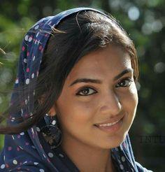 Nazriya nazim ❤️❤️ Indian Film Actress, South Indian Actress, Indian Actresses, Dark Eyebrows, Indian Face, Actor Photo, Bollywood Stars, Cute Faces, India Beauty