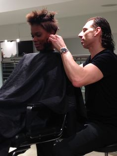 #mariomakemeamodel Semi-Finalist Desiree in the middle of her Mario Tricoci makeover!