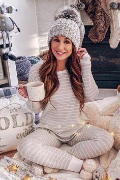 25 Christmas Pajama Outfits To Inspire You This Holiday Season - Best Pajamas, Cute Pajamas, Cute Lounge Outfits, Cute Outfits, Urban Fashion, Womens Fashion, Latest Fashion, Trendy Hoodies, Pajama Outfits