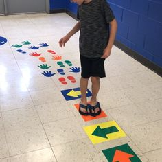 Sensory and Movement Paths Creative Activities For Kids, Gross Motor Activities, Autism Activities, Sensory Activities, Teaching Kids, Kids Learning, Movement Preschool, Sensory Pathways, Kids Obstacle Course