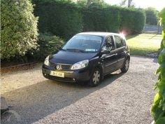 Renault Scenic (2004)--similar to a car we rented through Renault USA for a European trip a few years ago.