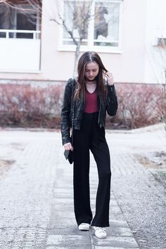 Nouw.com/bellss #fashion #outfit #street #style #black #wide #palazzo #pants