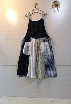 Handmade Clothes, Diy Clothes, Apron Dress, Dress Up, Demin Dress, Diy Fashion, Fashion Dresses, Sewing Aprons, Shirt Refashion